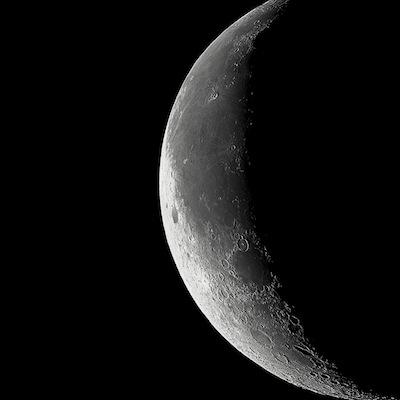 130410_1328265_98115560_moon.jpg