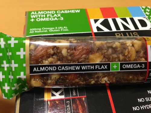 kind healthy snaks almond cashew flax
