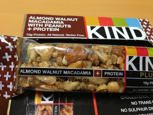 kind healthy snaks almond walnut macadamia